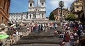 Prohíben a los turistas sentarse en una icónica escalinata de Roma | Foto: Escalinata de la Plaza de España