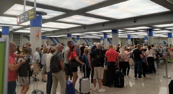 Anuncian paros indefinidos en el aeropuerto de Palma (Mallorca)|Foto: Europa Press