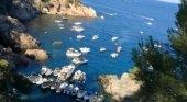 Macrobotellón a bordo de 20 yates en una cala protegida | Foto: Salvem el Golfet vía Facebook