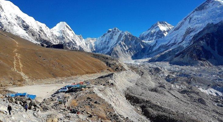 Nepal facilitará aún más la llegada de turistas a un colapsado Everest Foto: Motorpasion