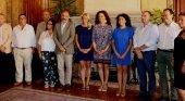 Reunión de la presidenta del Consell de Mallorca, Catalina Cladera y los miembros de la FEHM