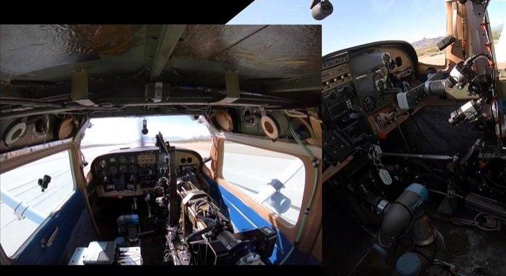 Un robot consigue pilotar un avión sin ayuda del hombre, por primera vez | Foto: AFResearchLab vía Youtube