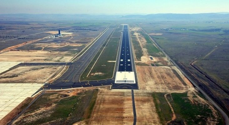 Ya pueden aterrizar aviones en el Aeropuerto de Ciudad Real   Foto: Flynews