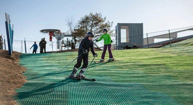 Copenhague abre una pista de esquí en una planta de incineración de basura|Foto: ®Copenhill