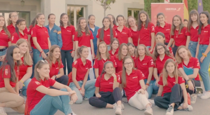 """Iberia fomenta las profesiones aeronáuticas entre las mujeres con """"Quiero Ser"""""""