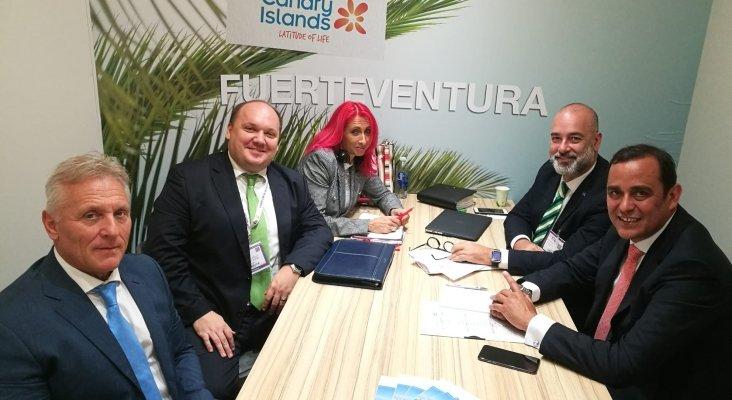 Delegación de Fuerteventura reunida con representantes de Via Sale Hungría en WTM 2019