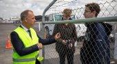 El bonito detalle del CEO de Air Baltic con cuatro spotters|Foto: News Hub