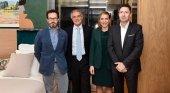 Barceló lanza la primera plataforma digital para la gestión íntegra de reformas hoteleras | Foto: Raúl González, CEO de EMEA de Barceló (2º por la izq.), y Félix Vicente, presidente de McCann Worldgroup Spain