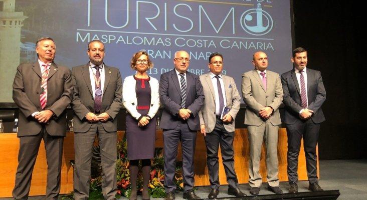 Izqda. a dcha. José Manuel Benítez del Rosario, Rafael Robaina, María Concepción Narváez, Antonio Morales, Aziz Sair, Carlos Álamo y Alejandro Marichal