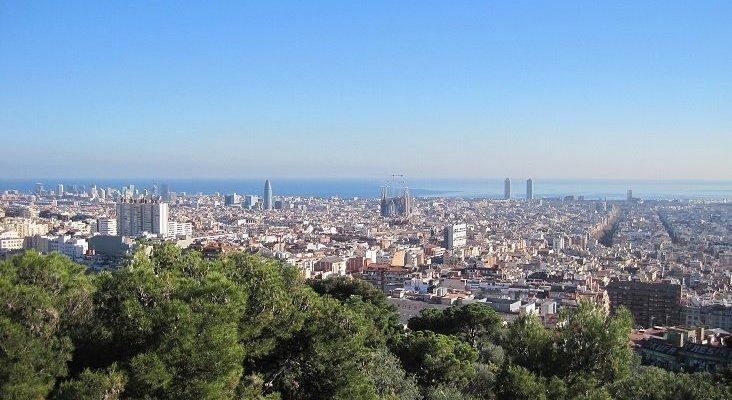 Airbnb obligada a eliminar 12.000 pisos turísticos en Cataluña