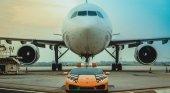El aeropuerto de Bolonia utiliza un Lamborghini como vehículo de servicio Foto: Motor1.com