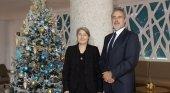 Carmen y Luis Riu, propietarios de la cadena RIU, felicitan la Navidad a todo el equipo