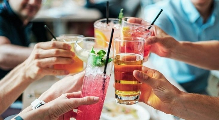 Bares libres de alcohol, nuevo reclamo del ocio nocturno