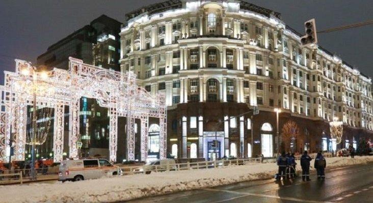 Moscú llena de nieve falsa los principales enclaves turísticos|Foto: BBC