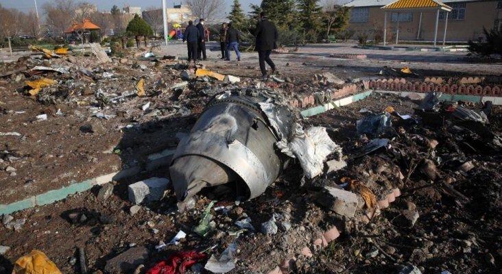 Mueren 176 pasajeros en accidente de avión Boeing 737 en Irán