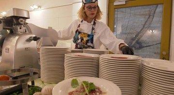 La directora general de una empresa turística participa en el programa 'Jefe infiltrado'   Foto: Aldiana vía Touristik-Aktuell