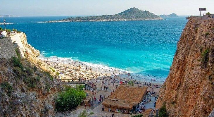 Antalya (Turquía) recibió un 16% más de turistas rusos en 2019