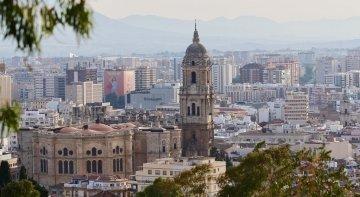 La falta de consenso paraliza la tasa turística de Málaga