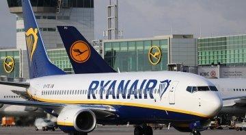 Ryanair mejora sus beneficios pero castiga a su plantilla de España y a la de Lauda