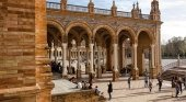 España bate su récord de visitas por séptimo año: 84 millones en 2019   Foto: Plaza de España, Sevilla