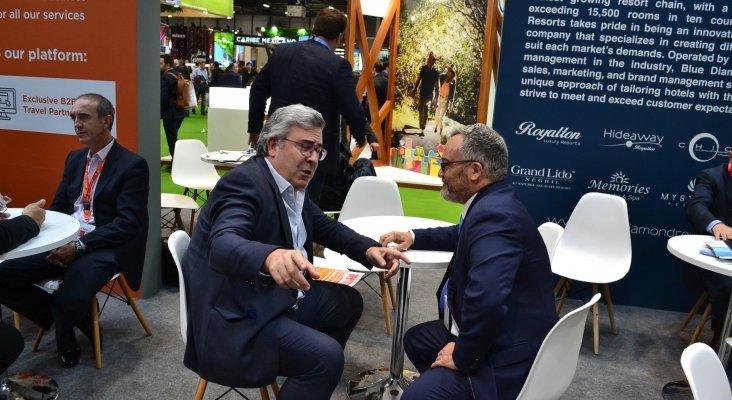Antonio Herrero, vicepresidente de Ventas Hotels & Resorts, Sunwing Travel Group, e Ignacio Moll