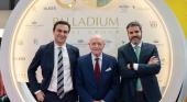 Abel Matutes Prats, nuevo presidente de Palladium Hotel Group, Abel Matutes Juan, fundador y ex-presidente, y Jesús Sobrino, nuevo CEO de la compañía