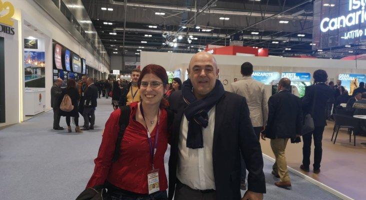 Amor Alonso, jefa de redacción Tourinews y José María Mañaricúa, director de Operaciones de Gloria Thalasso & Hotels y presidente de la FEHT