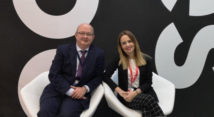 Lorena López, Marketing Manager, Les Roches Global Hospitality Education y Juan González