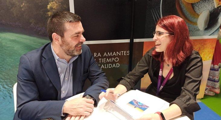 Roberto Cabello, Business Development Manager para España, EMEA y África Oceanía Cruises, con Amor Alonso