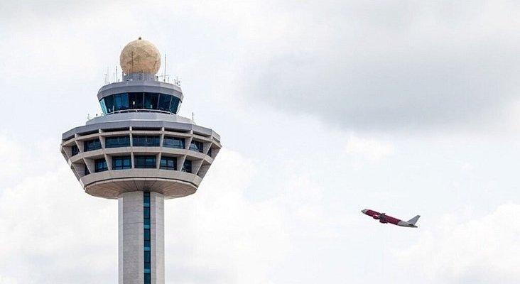 Empresas extranjeras compiten por la gestión de 12 torres de control en España | Foto: El Español