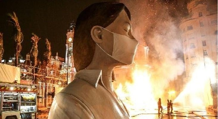 Hito histórico: arde la Falla Municipal de València sin público | Foto: Ayuntamiento de Valencia vía rtvc