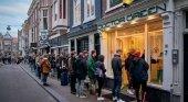 Los holandeses se agolpan en los locales de Cannabis antes de su cierre por el Covid-19 | Foto: AFP vía La República