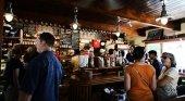 UK da un paso más contra el virus, cierra bares, restaurantes y locales de ocio
