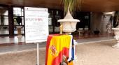 Sencillo homenaje civil a las banderas e himnos de Canarias y España
