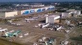 La pandemia obliga a Boeing a recortar plantilla y a ajustar la producción| Foto: Fábrica de Everret de Boeing- Jeremy Elson (CC BY-SA 3.0)