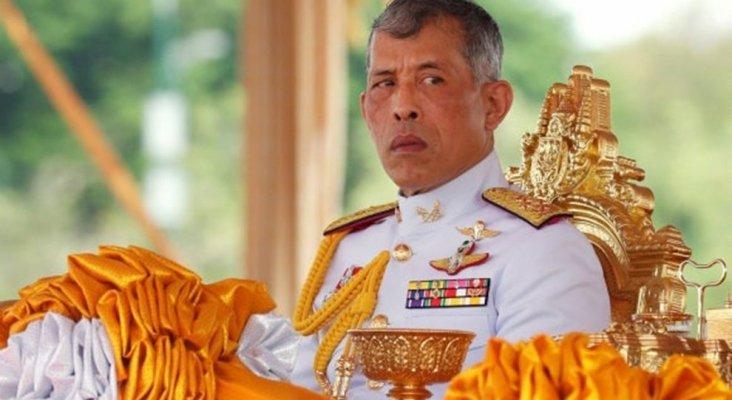 El rey de Tailandia se confina en un hotel de Alemania con 20 concubinas   Foto: marca.com
