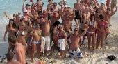 70 estudiantes alquilan un avión para irse de vacaciones en plena crisis del Covid-19