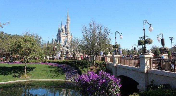 Disney World suspende de empleo y sueldo a 43.000 trabajadores