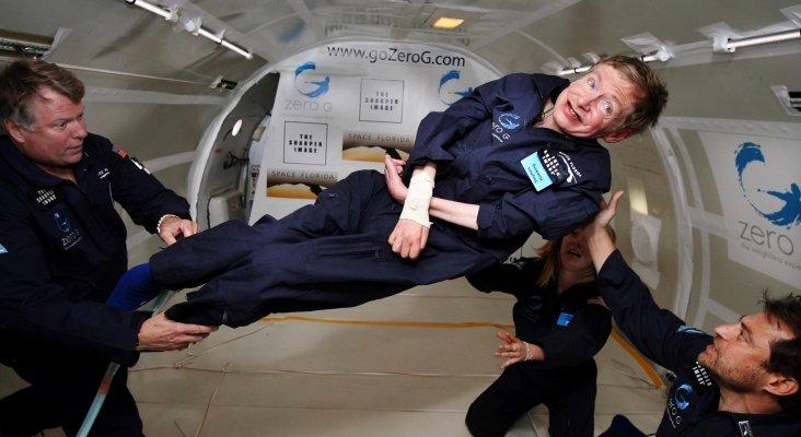 Stephen Hawking experimentando la gravedad cero