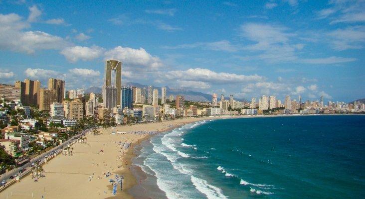 El plan de desescalada tiene un efecto positivo sobre las reservas y cancelaciones   Foto: Benidorm (Alicante)