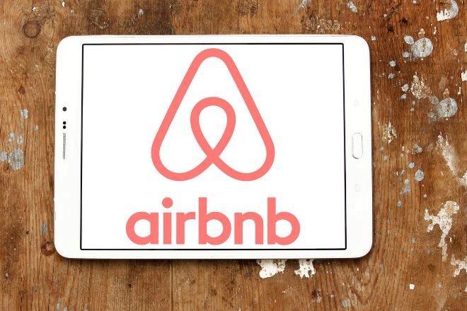 Airbnb despide al 25% de su plantilla   Foto: Expansión