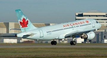 Air Canada retomará sus vuelos a Cuba, Jamaica, México y Barcelona en junio | Foto: BriYYZ  (CC BY-SA 2.0)