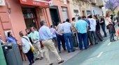 Las aglomeraciones y multas marcan la reapertura de los bares| Foto: El Confidencial