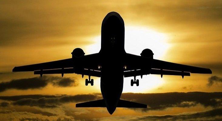 Los lobbys obligan a aumentar el número de aeropuertos abiertos a vuelos del extranjero