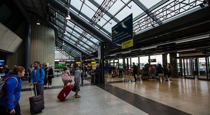 Islandia realizará pruebas diagnóstico a todos los pasajeros aéreos| Foto: Jeff Hitchcock (CC BY 2.0)