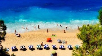 Grecia reabre sus playas con diferentes medidas de seguridad