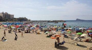El 50% de los españoles no espera salir de vacaciones este verano | Foto: Benidorm, Alicante