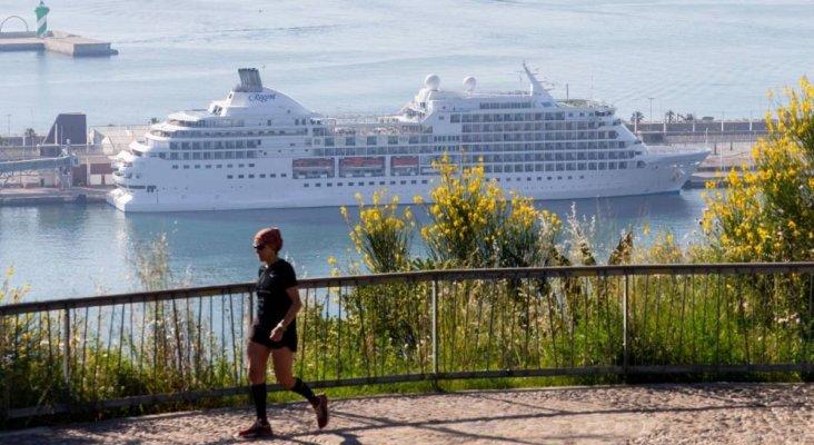 Un crucero guarda cuarentena en Barcelona por un positivo de COVID-19 a bordo | Foto: EFE vía El Confidencial