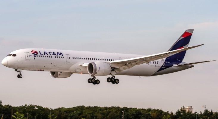 La mayor aerolínea de América Latina se declara en quiebra | Foto: Oliver Holzbauer (CC BY-SA 2.0)