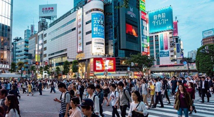 Japón se plantea pagar por los turistas